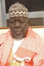 VISITE DE MADICKE NIANG A TOUBA : Serigne Bara empoigne son fils Cheikhouna...et le chasse de son domicile