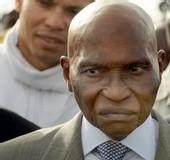 48 HEURES APRES L'AVOIR LIMOGE DU GOUVERNEMENT: Abdoulaye Wade téléphone a Ibrahima Sarr