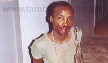 [ PHOTOS ] PRISON DE TAMBA: Zacharia s'évade et attaque les gardes avec une barre et un couteau