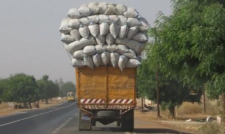 DECISION - DAKAR: Les camions de plus de 3 tonnes interdits le matin