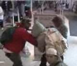 [ VIDEO EXCLUSIVE ] KANYE WEST S'ATTAQUE A DES PAPARAZZIS: Le Rappeur et son garde du corps arrêtés