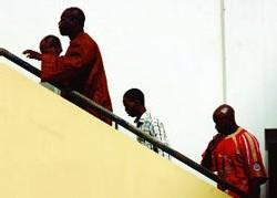 AFFAIRE DES NERVIS DE FARBA: Les Gardes du corps de Farba se battent dans les locaux de la police