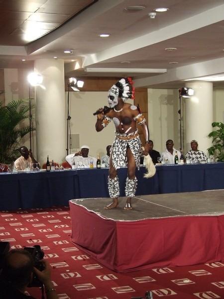 [ PHOTOS ] Election de Miss Afrika 2008 : Retour sur le défilé