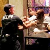DEUX POLICIERS FRANCAIS PLACES EN GARDE A VUE apres une Bavure contre Abdoulaye fofana lors de son l'interpellation (Video de la bavure)