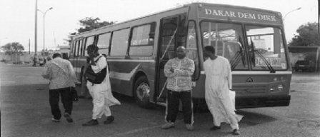 GREVE ILLIMITEE A DAKAR DEM DIKK: Les travailleurs « affrontent » les autorités