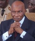 300.000.000.000  DE F.CFA: ''La dette intérieure sera payée en totalité avant le 31 janvier 2009''. Promesse de Wade