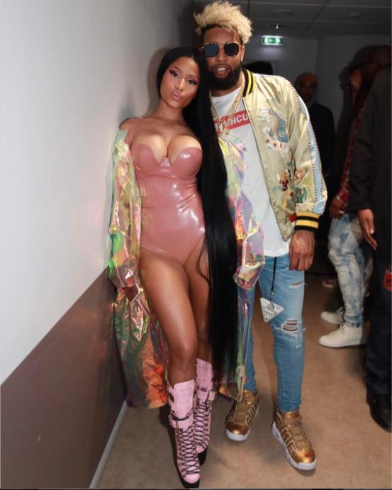 Photos : Nicki Minaj : Encore une tenue improbable, mais où s'arrêtera-t-elle?