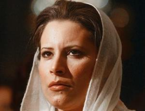 Irak : La fille de Kadhafi va décorer le journaliste qui a lancé une paire de chaussures à Bush