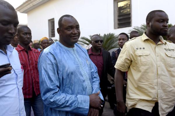 Gambie : Barrow maintient les juges nigérians de Jammeh