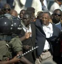 MANOEUVRES POUR REPORTER LES ELECTIONS LOCALES: La Coalition « Benno Siggil Senegaal » met en garde le régime de Wade