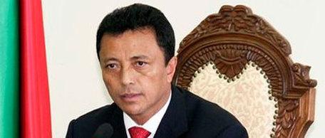 MADAGASCAR - APRES LES MANIFESTATIONS: 25 corps carbonisés