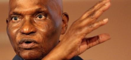 WADE dit avoir proposé à Mugabe de partir pour le Sénégal