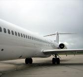 LES PRIVES REFUSENT DE METTRE LEURS BILLES dans un avion chinois: Les ailes d'Air téranga plombées