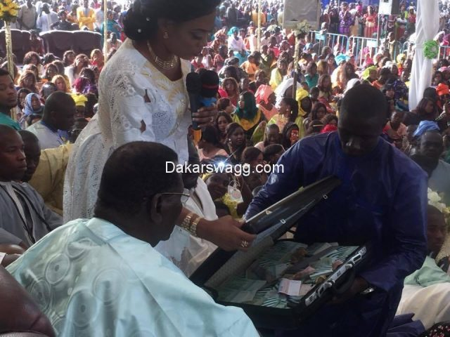 "PHOTOS - Thiante Serigne Bethio…Sokhna Aïda Diallo offre 50 millions comme ""Adiya"" à Cheikh Béthio"