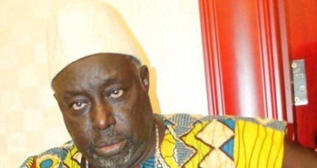Baye Ely : « J'attends que le président Macky Sall me reçoive, me donne beaucoup d'argent, une belle maison et une voiture »