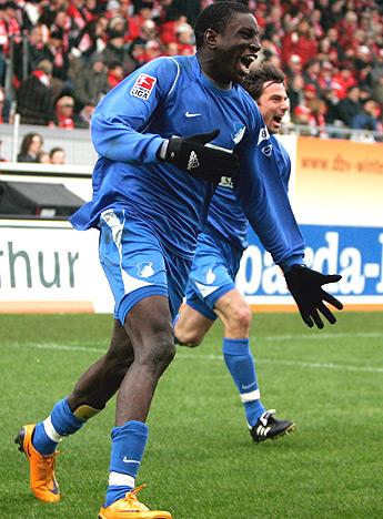 FOOTBALL: Demba Bâ fait sensation en Bundesliga