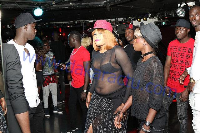 PHOTOS - soirée Rakhass de Wally Seck à Paris, L'habillement de ces filles sénégalaises qui n'ont …