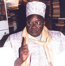 """EN VISITE A TIVAOUANE Idrissa Seck qualifié de """"leader incontesté"""": Le Khalife Generale des Tidianes prie pour la victoire de M. Seck."""