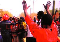 EN VISITE A KAOLACK: Wade accueilli par des brassards rouges