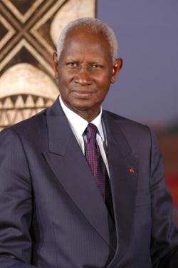 FRANCOPHONIE: Abdou Diouf Docteur honoris Causa
