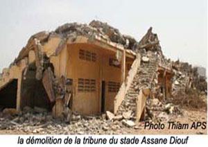 ERECTION D'IMMEUBLES SUR LE SITE DU STADE ASSANE DIOUF: Abdoulaye Wade renonce au projet