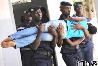ÉCOLE DE COIFFURE « COMPLEXE YACINE » : Une dizaine d'élèves tombe en transe