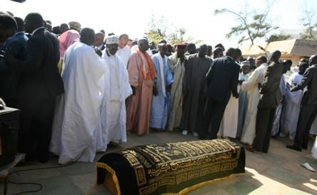 KARINE WADE ENTERREE : Des funérailles dignes d'un...chef d'Etat