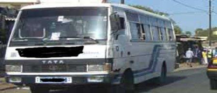Dans l'univers incroyable des bus TATA: On laisse rouler des cercueils ambulants