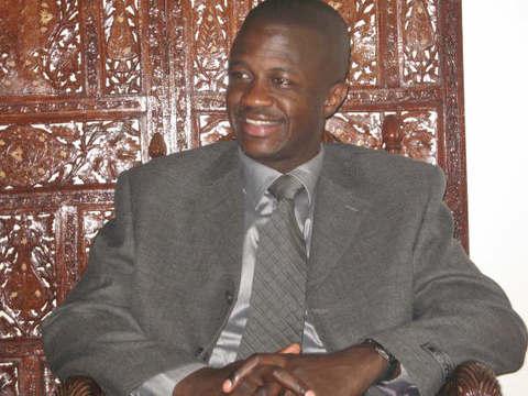LEÇON DE TRANSPARENCE- INSTALLE A LA MAIRIE DE POINT E: Dr Malick Diop déclare son patrimoine.