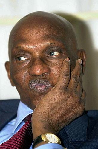 SENEGAL: Wade veut redéployer les marchands ambulants vers la production