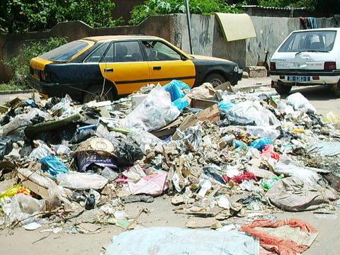SENEGAL: Grève illimitée des agents du nettoiement à Dakar