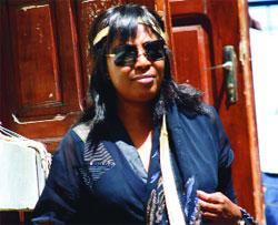 MANDAT D'ARRÊT: Aïssatou Guèye Diagne se constitue prisonnière et passe cinq minutes au Camp pénal