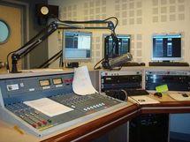 Polémique entre station radios: La Guerre des Ondes