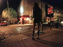 CONFIDENCES D'UNE EX PROSTITUEE «C'est ma tante qui m'a initié a la prostitution »