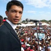 VISITE MOUVEMENTÉE DU «PRÉSIDENT» MALGACHE À DAKAR: Andry Rajoelina déclaré « indésirable»