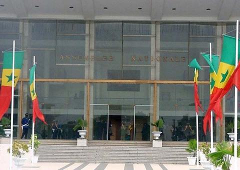 INSTITUTION DE LA VICE-PRESIDENCE: Quinze députés attaquent la loi devant le Conseil Constitutionnel