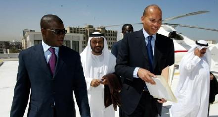 Les caisses de l'Etat vides: Karim cherche de l'argent en France et à Dubaï