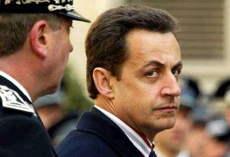 OUTRE-MER: Sarkozy propose un référendum sur l'autonomie en Martinique