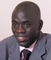 Cheikh Yérim Seck de Jeune Afrique échappe de peu à un crash d'avion.