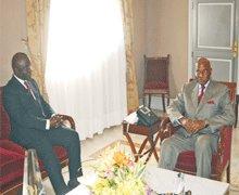 WADE rencontre Idrissa Seck: Les jeunes de rewmi tirent sur Karim
