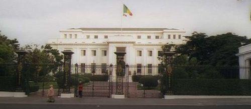 Réaménagement ministériel : Me Wade politise la présidence et récompense