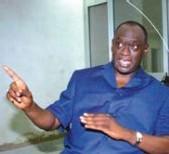 Election de 212 : Le candidat Me El Hadji Diouf avertit Wade et annonce la création de sa milice