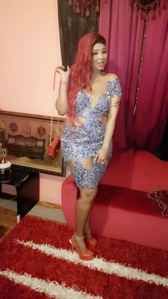 PHOTOS - Soirée de Wally Seck à Torino : La robe de cette fille a attiré l'attention du public