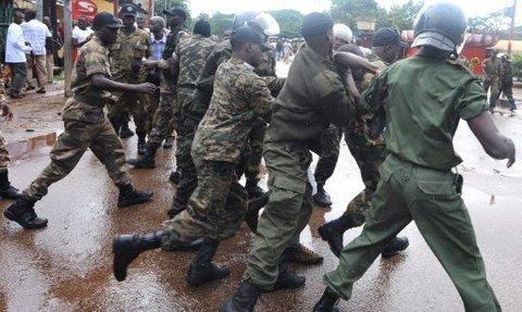 Guinée : des dizaines d'opposants tués à Conakry