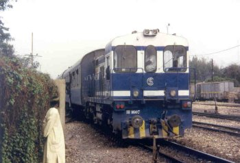 AXE RUFISQUE - DAKAR : Le Petit Train Bleu déraille
