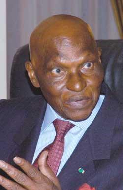 EN DIRECTION DE LA PRÉSIDENTIELLE DE 2012: Lancement de la candidature de Wade dans une salle à moitié vide à Mbacké
