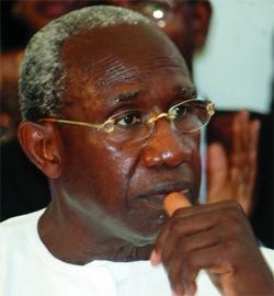 IBA DER THIAM A LA CONFÉRENCE DES ENSEIGNANTS LIBÉRAUX A KAOLACK : « Abdoulaye Wade est le meilleur candidat à la présidentielle de 2012 »