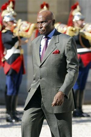 Le plus vieux président en exercice du monde : Wade de plus en plus incohérent.