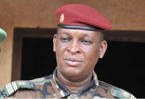 PRÉSIDENT PAR INTERIM EN GUINÉE : Le général Sékouba Konaté admoneste l'armée