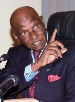 L'abbe André Latyr Ndiaye répond à Wade: « Se désoler ou s'indigner de ne pas recevoir assez de marque de reconnaissance relève de la vantardise »